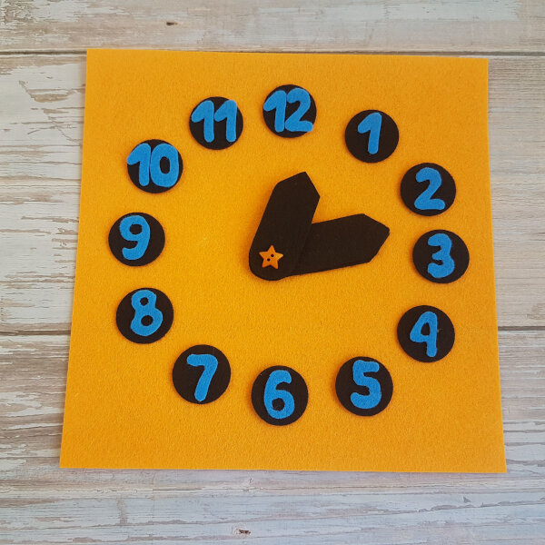 quiet book clock no-sew page